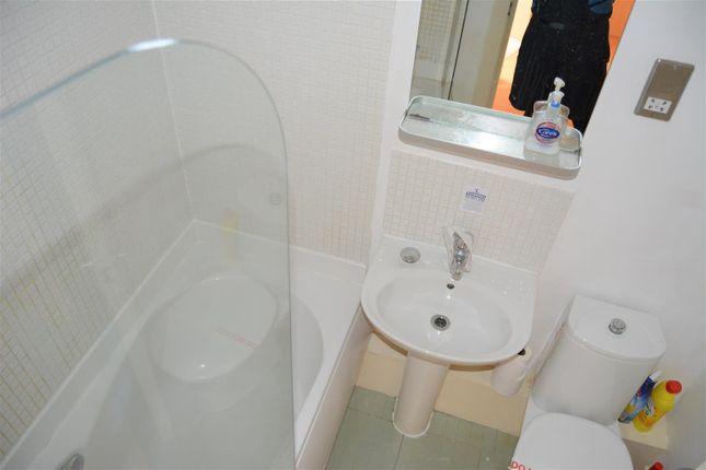 Bathroom of Thorncliffe Street, Lindley, Huddersfield HD3