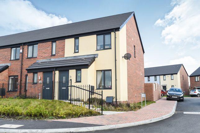 Thumbnail End terrace house for sale in Ffordd Y Glannau, Barry