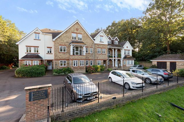 3 bed flat for sale in Haven Court, Portsmouth Road, Esher KT10