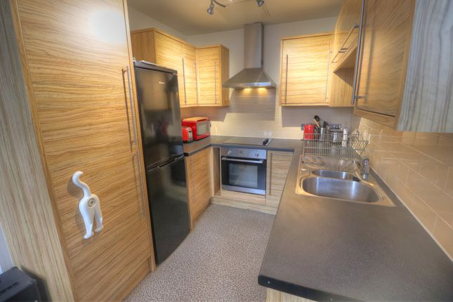 Fitted Kitchen of Mottram Street, Stockport SK1