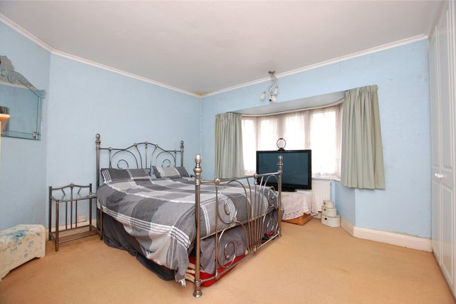 Picture No. 11 of Redden Court Road, Harold Wood, Romford RM3