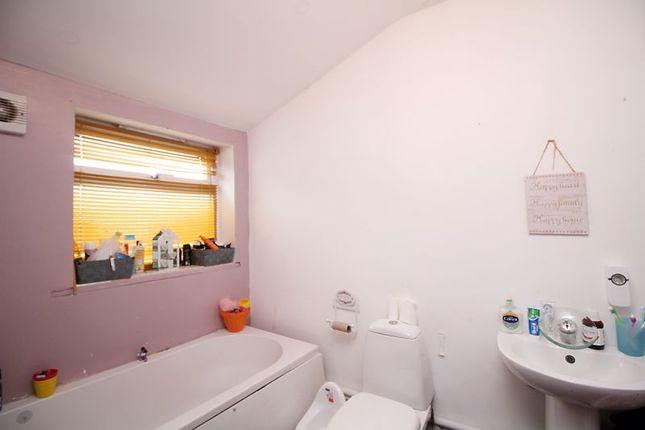Bathroom of Brewery Street, Pontygwaith, Ferndale CF43