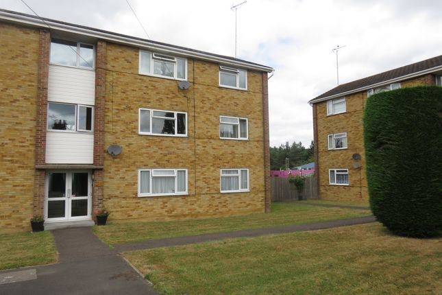 Thumbnail Flat for sale in Wallis Road, Ashford