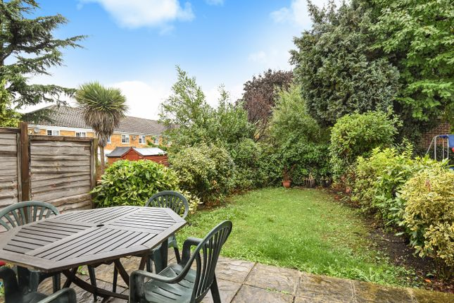 Thumbnail Town house for sale in Bracewood Gardens, Croydon