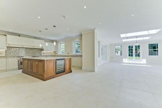 Thumbnail Detached house to rent in Beechwood Avenue, Weybridge