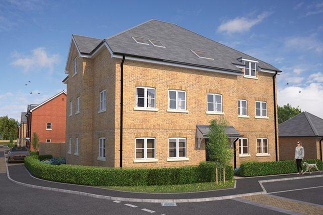 2 bed flat for sale in Shorwell, Netley Abbey, Southampton SO31