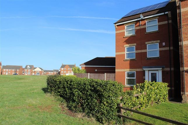 Thumbnail Detached house to rent in Laurel Way, Scunthorpe