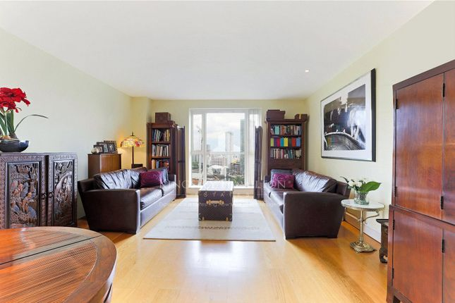 Thumbnail Flat for sale in Berkeley Tower, 48 Westferry Circus, Canary Wharf, London