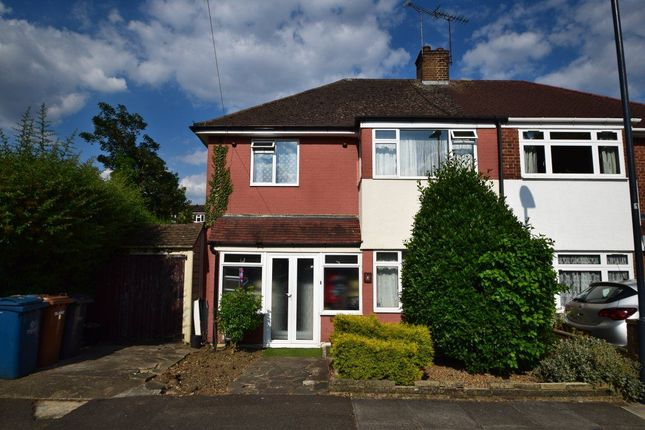 Thumbnail Property to rent in Whitchurch Close, Edgware