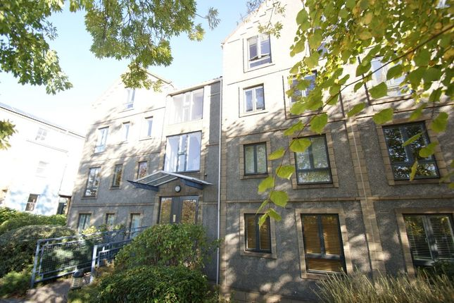 Thumbnail Flat to rent in Cumberland Road, Bristol