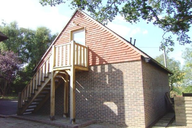 Thumbnail Studio to rent in Heathfield Road, Burwash, Etchingham