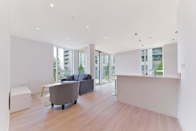 Reception of 16 Woodberry Down Finsbury Park, London N4