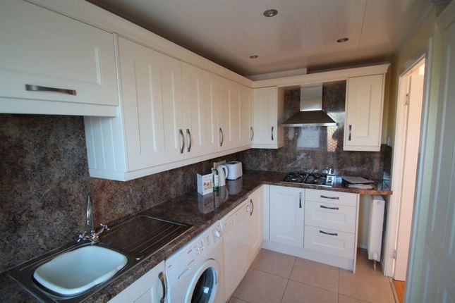 Thumbnail Terraced house to rent in Balunie Street, Broughty Ferry, Dundee