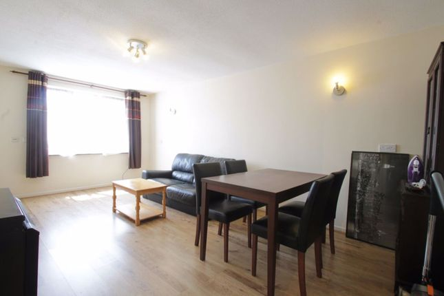 Thumbnail Flat to rent in Deanery Close, London