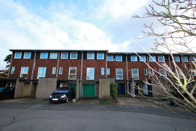 3 bed town house for sale in Bardsley Close, Park Hill, East Croydon, Surrey