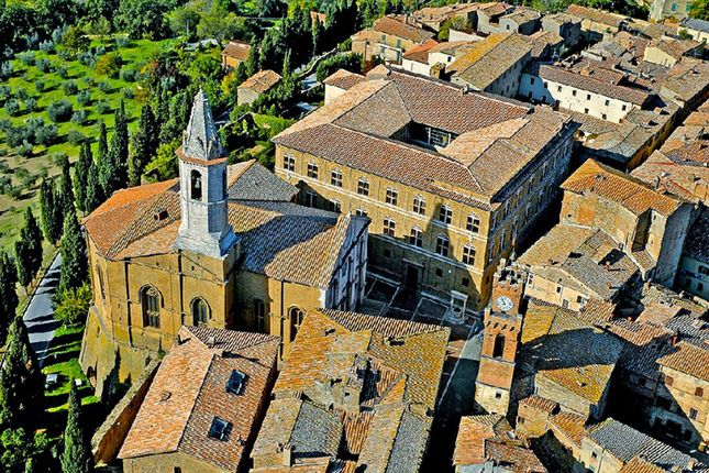 Thumbnail Block of flats for sale in Pienza, Siena, Tuscany, Italy