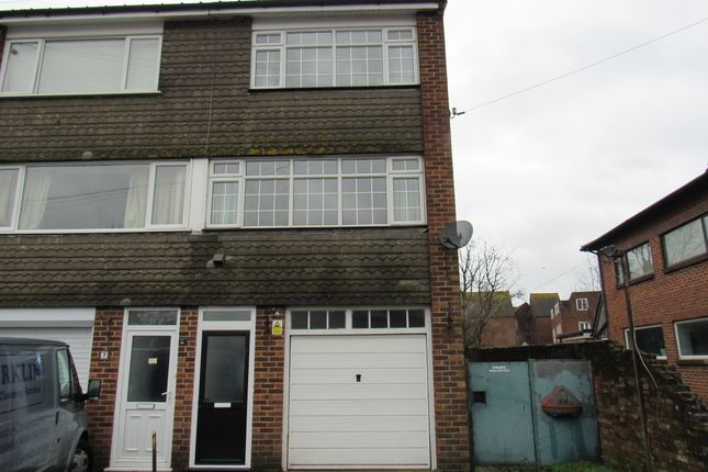 Thumbnail Terraced house to rent in Kings Arms Lane, Ringwood