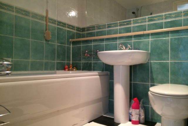 Bathroom of Trinity Court, Blackness Avenue, Dundee DD2