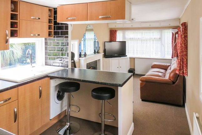 Thumbnail Mobile/park home for sale in Bakers Lane, West Hanningfield, Chelmsford