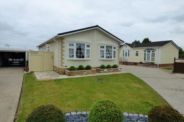 2 Bedroom Mobile Park Home For Sale 43781194 Primelocation