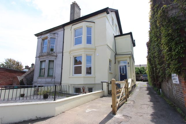 Thumbnail Flat for sale in London Road, Deal