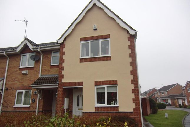 Thumbnail Town house to rent in Farriers Place, Castleford