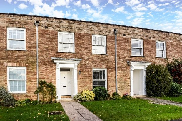 Thumbnail Property to rent in Courtenay Place, Lymington