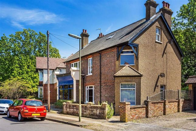 2 bed flat for sale in Tower Road, Tadworth, Surrey KT20