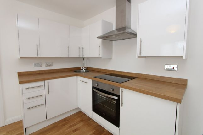 Thumbnail Flat to rent in Kings Road, Petersfield