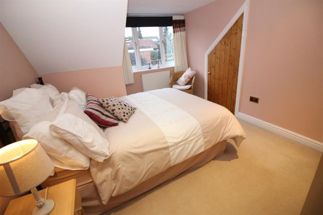Bostocks lane sandiacre nottingham ng10 4 bedroom for Bedroom zone nottingham