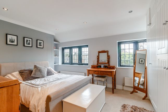Bedroom of Bishopsmead Parade, East Horsley, Leatherhead KT24