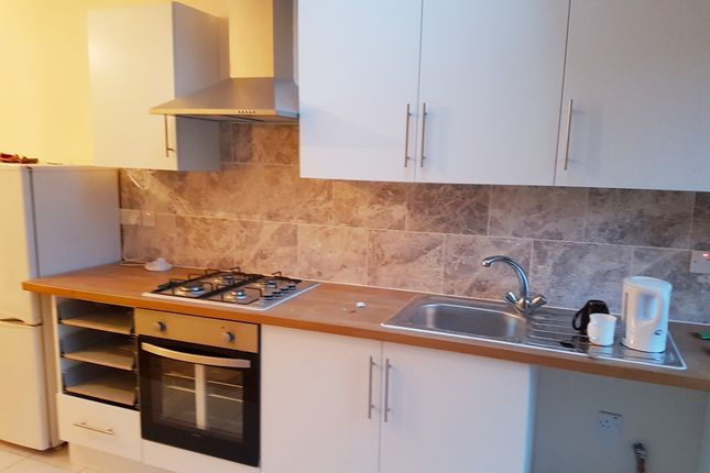 Thumbnail Flat to rent in Lea Road, Southall