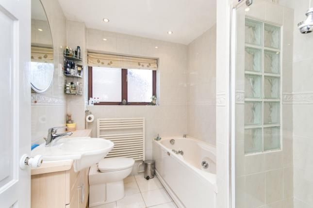 Bathroom of Willow Court, Bangor-On-Dee, Wrexham, Wrecsam LL13