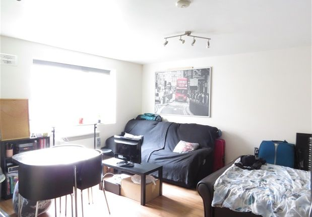 Thumbnail Studio to rent in Granville Square, London