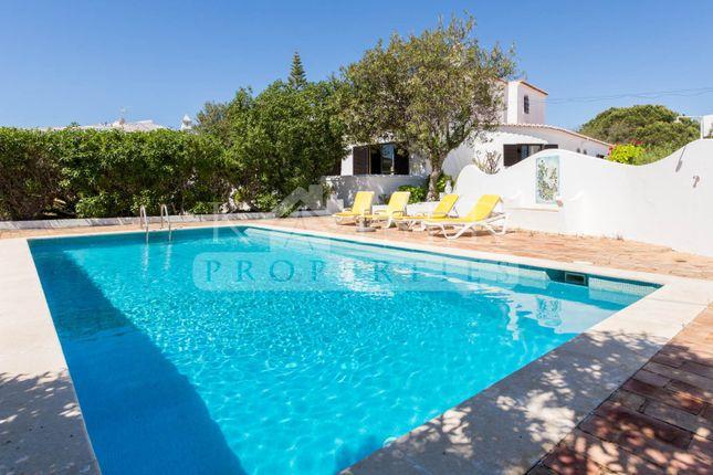 Thumbnail Villa for sale in Alporchinhos, Algarve, Portugal