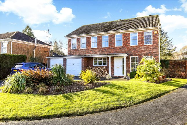 5 bed detached house for sale in Dukes Close, Alton, Hampshire
