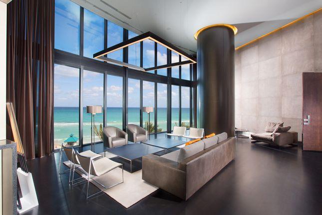 Porsche Design Tower In Miami - Reception & Sea View