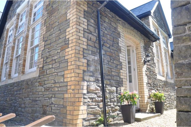2 bed flat for sale in Old School Lane, Pontypridd CF37