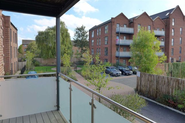 Thumbnail Flat to rent in Otter Way, Yiewsley, Middlesex