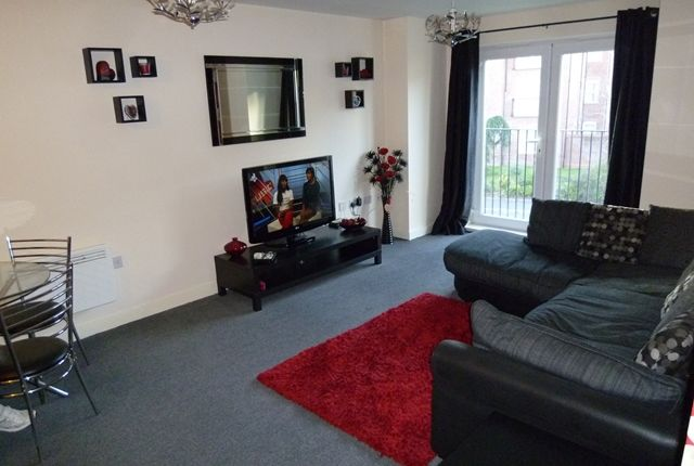 2 bed flat to rent in For Rent 2 Brandforth Road, Crumpsall, Manchester