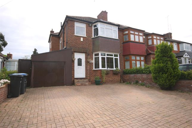Thumbnail Property for sale in Silverdale, Enfield