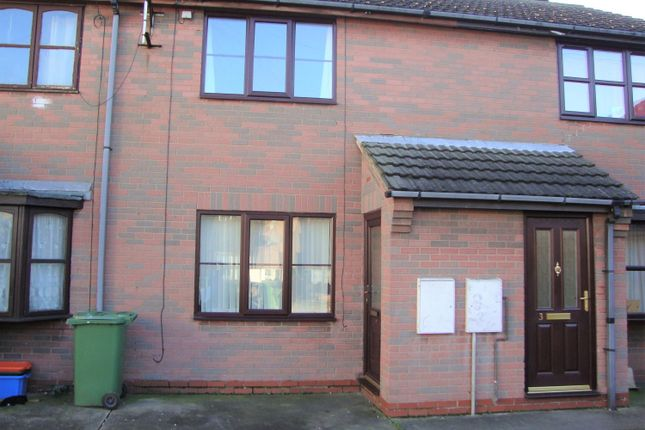 2 bed terraced house to rent in Sidney Court, Cleethorpes DN35