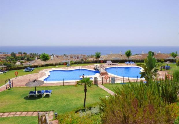 2 bed apartment for sale in Alcaidesa Village, Alcaidesa, Cadiz, Spain