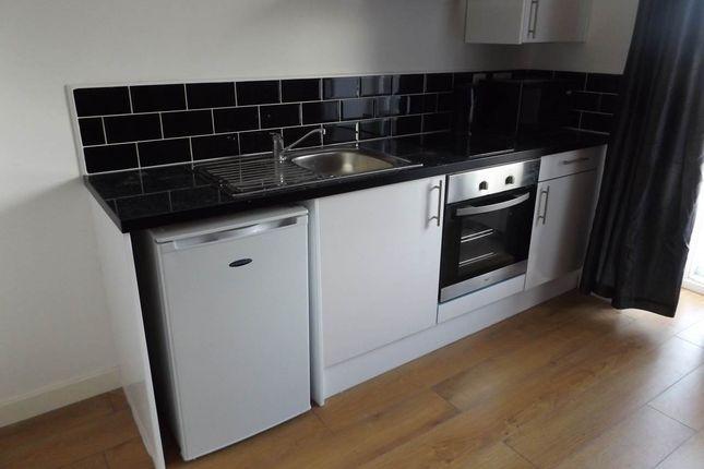 Thumbnail Flat to rent in Design Haus 88, Bridge Road, Kirkstall Bridge