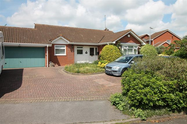 Thumbnail Bungalow for sale in Colesehill Close, Redditch, Redditch