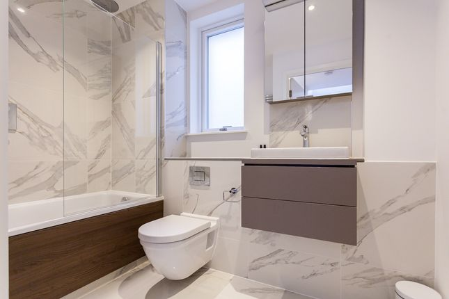 Thumbnail Town house to rent in Hand Axe Yard, St Pancras Place, Kings Cross