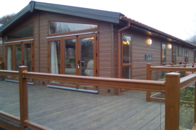 Thumbnail Mobile/park home for sale in Harmby Road, Leyburn, North Yorkshire