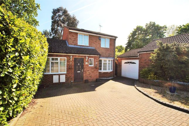 Thumbnail Detached house for sale in Mulberry Close, Owlsmoor, Sandhurst, Berkshire