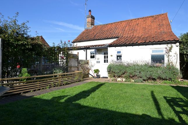 Thumbnail Property for sale in Hall Road, Snettisham, Kings Lynn, Norfolk.
