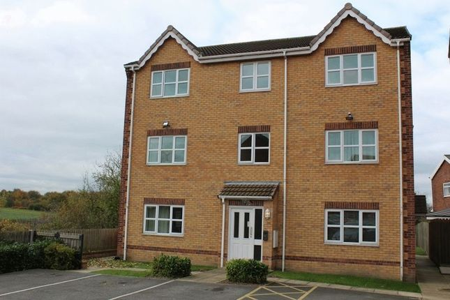 Thumbnail Flat for sale in Sandringham Court, Pontefract